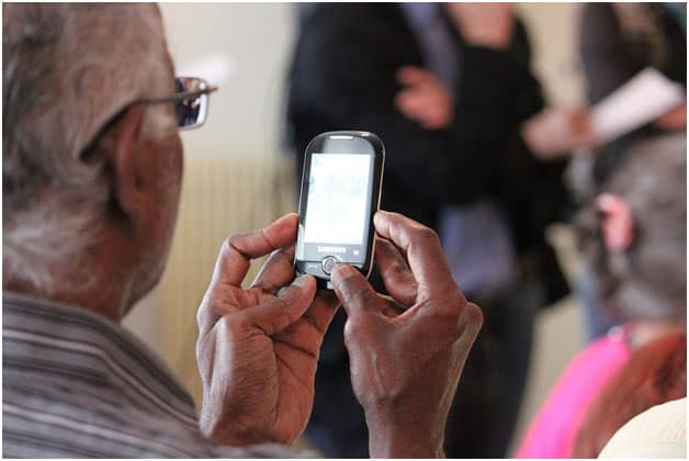 13 13 Best Smartphone Apps for Seniors Aging in Place